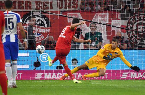 Lewandowskis Doppelpack rettet Bayern einen Punkt