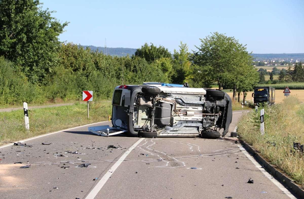 Bei dem Unfall wurden drei Menschen schwer verletzt. Foto: 7aktuell.de/ Müller