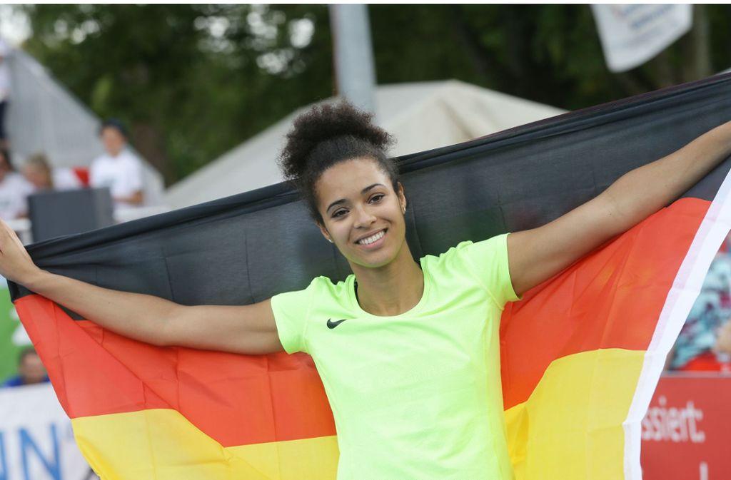 Hochspringerin Marie-Laurence Jungfleisch träumt weiter davon die deutsche Flagge bei den Olympischen Spielen hochzuhalten. Foto: Baumann