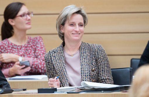 So will Nicole Hoffmeister-Kraut die Wirtschaft retten