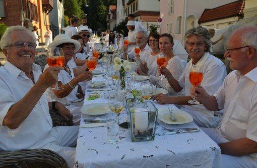 Ein Abendessen ganz in Weiß