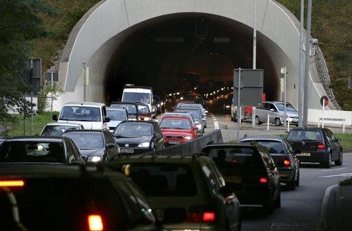 28.10.: Auffahrunfall im Heslacher Tunnel