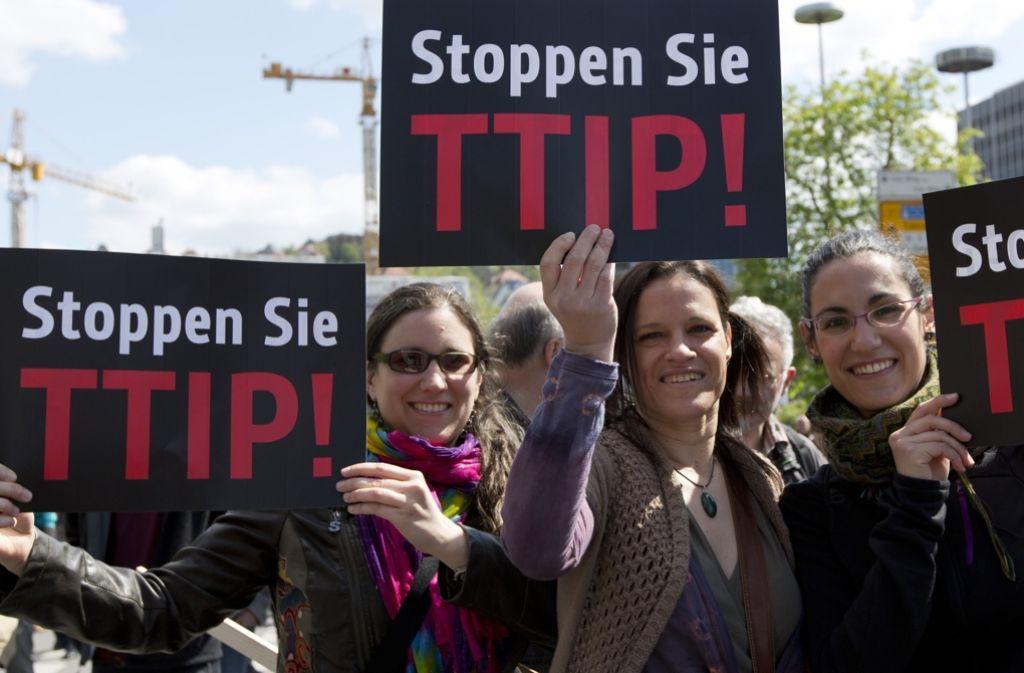 Die Bundesregierung schließt aus, dass die deutsche Ökostrom-Förderung durch das geplante EU-Freihandelsabkommen mit den USA (TTIP) in Frage gestellt werden könnte. Foto: dpa