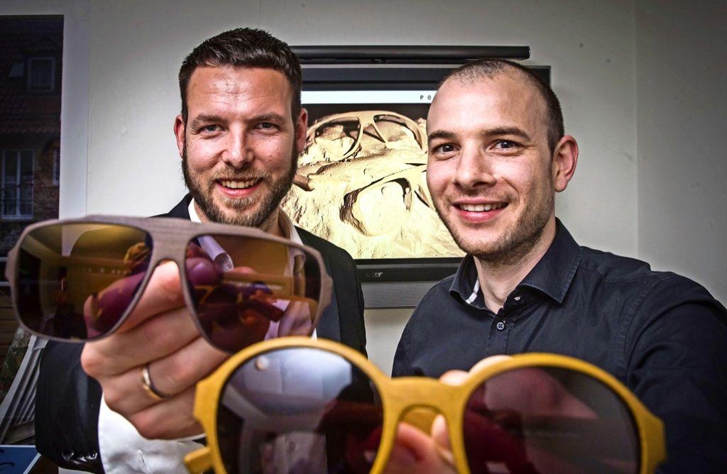 Manuel Breit und Georg Vollmer lassen ihre Design aus dem 3D-Drucker. Foto: Lichtgut/Achim Zweygarth