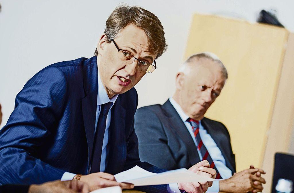 Kämmerer Michael Föll (CDU) und OB Fritz Kuhn (Grüne) sprechen nur in den höchsten Tönen übereinander. Foto: Leif Piechowski