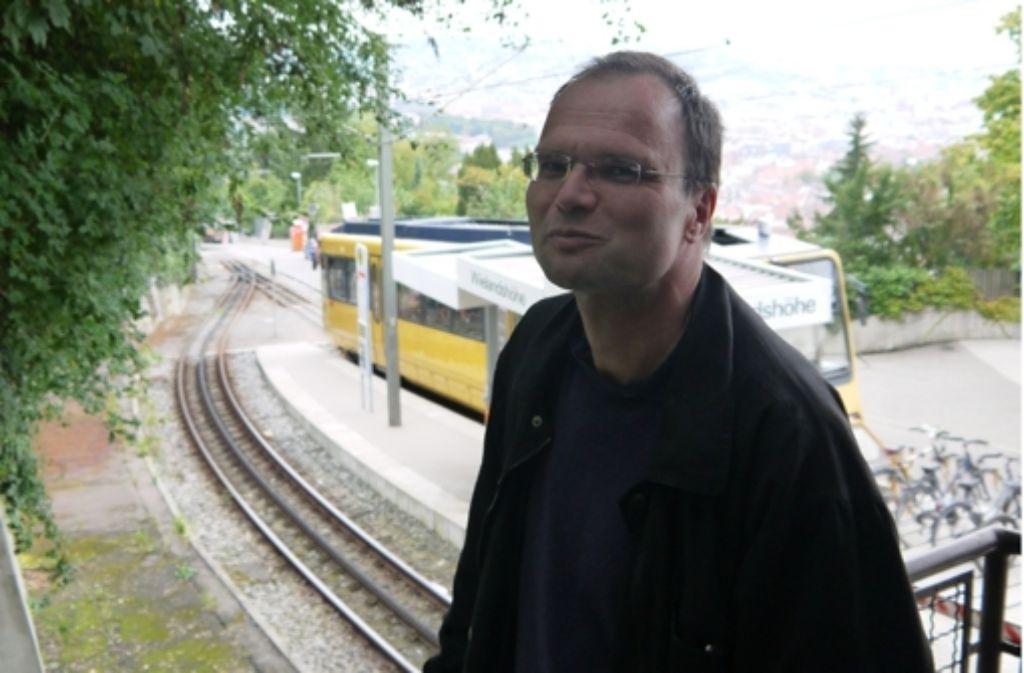 Hans-Joachim Knupfer ist bei den Stuttgarter Straßenbahnen (SSB) der Experte für die Zahnradbahn. Foto: Nina Ayerle