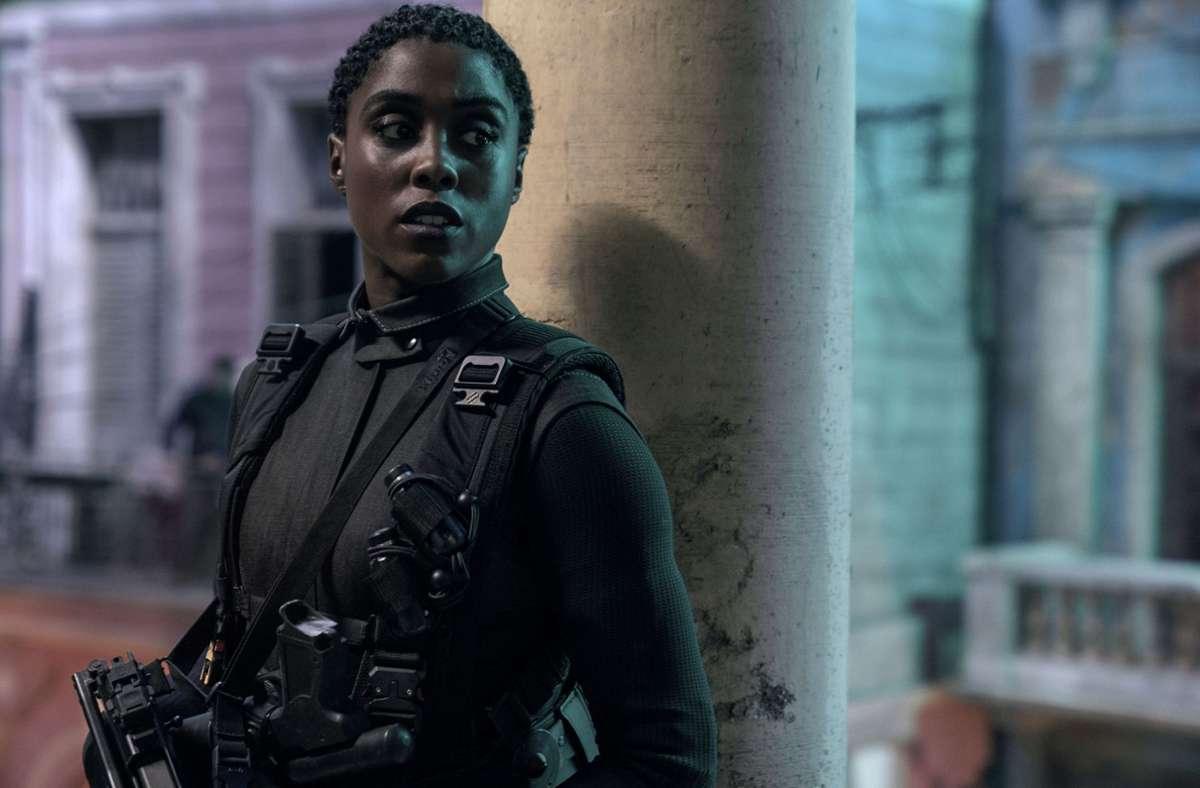 """Die neue Agentin 007: Dieses Bild von Lashana Lynch im verschobenen neuen Bond-Film """"No Time to Die"""" hat das Studio im April 2020 veröffentlicht. Foto:"""
