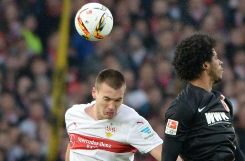 Dem VfB-Verteidiger Toni Sunjic (li.) fehlt viel zu oft der Durchblick. Foto: dpa