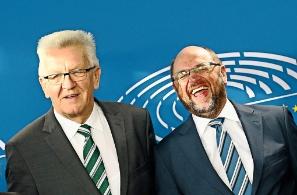 Kretschmann bestätigt in Brüssel: Sein Wahlziel ist Grün-Rot. Das scheint auch den EU-Parlamentspräsidenten Martin Schulz  zu freuen. Foto: dpa