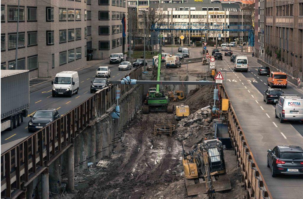 Entlang der Stadtautobahn in Stuttgart sind die Luftschadstoffwerte seit Jahren zu hoch. Foto: Lichtgut/Max Kovalenko