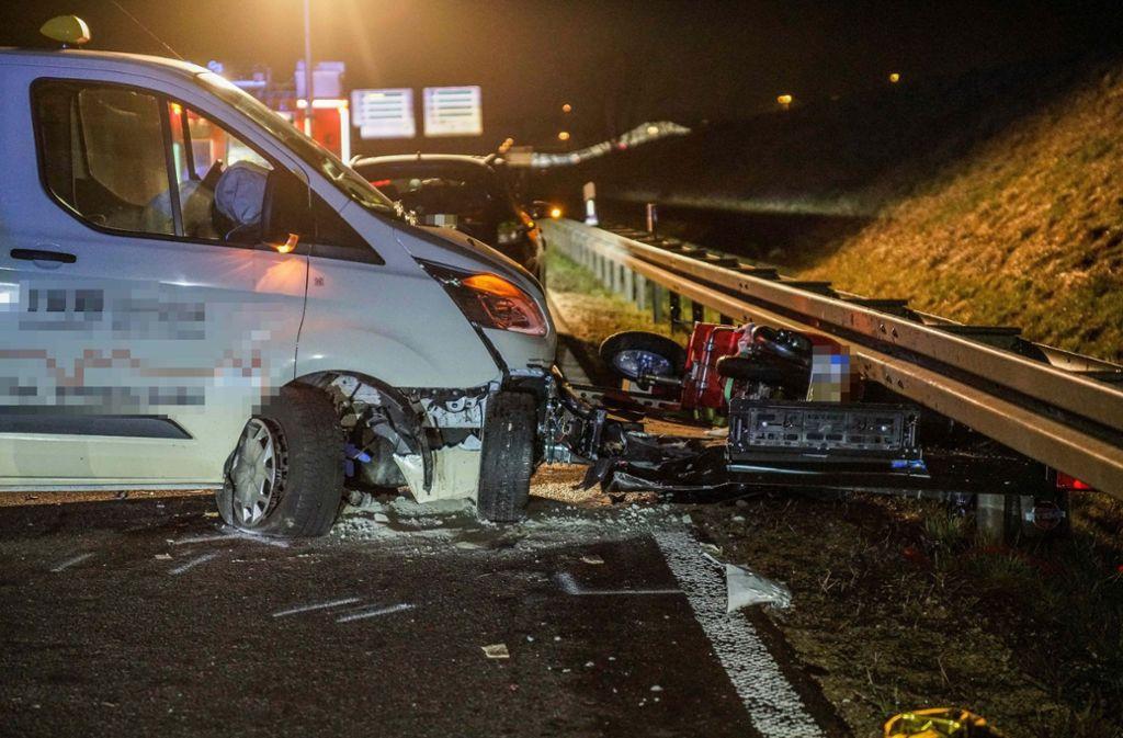 Auf der A8 wurde ein Mann von einem Taxi erwischt. Foto: SDMG
