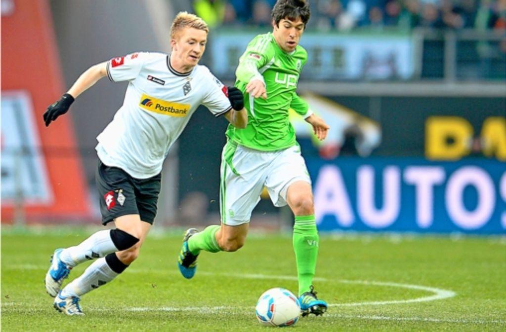 Felipe Lopes (rechts, hier im Zweikampf mit Marco Reus) wechselt zum VfB. Foto: dpa