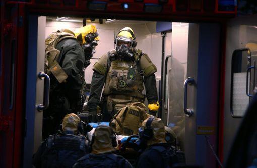 Verdächtige Substanzen in Wohnung - Untersuchungen dauern an