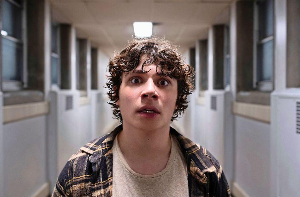 Chuck (Austin Zajur) bekommt es mit der Angst zu tun. Foto: Entertainment One