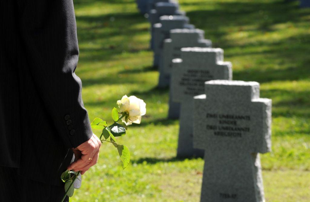 Der Volksbund pflegt Kriegsgräber, aber im Moment ist er sehr mit sich beschäftigt. Foto: dpa