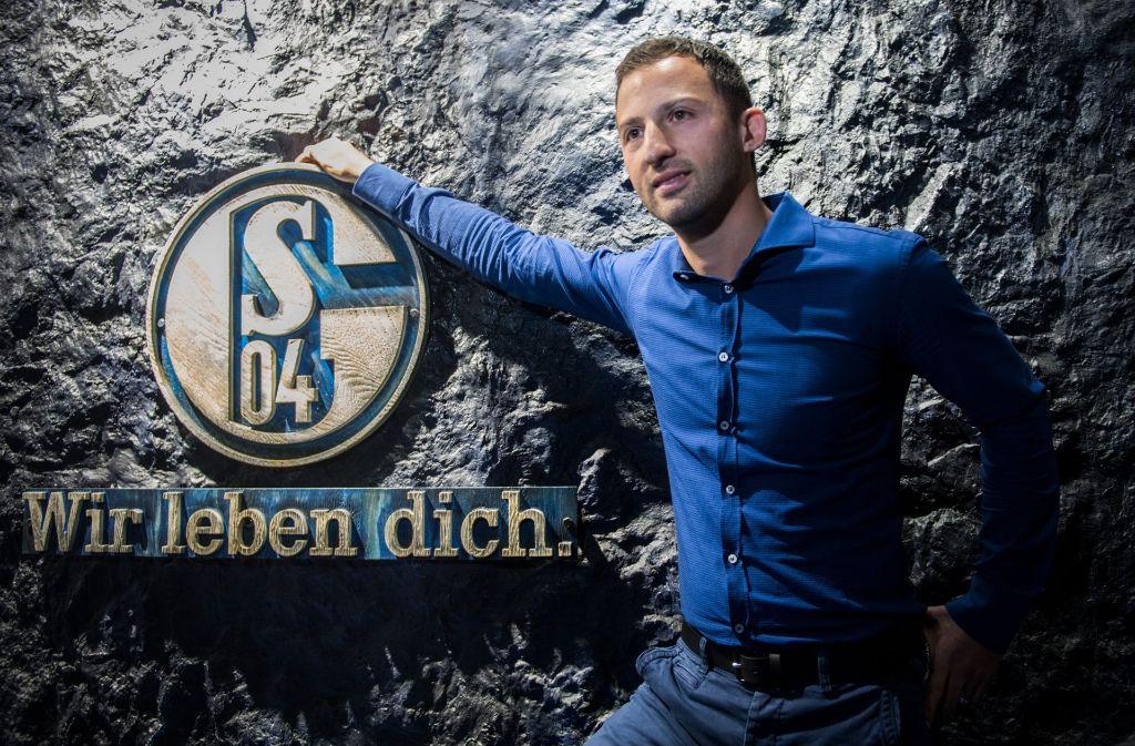 Domenico Tedesco übernimmt zur  Saison 2017/18 die Bundesligamannschaft des FC Schalke 04. Foto: dpa