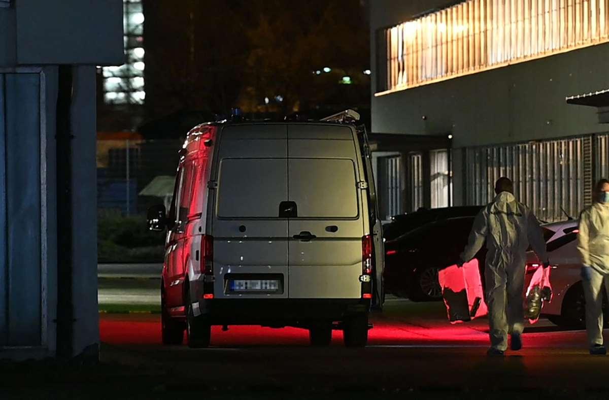 Ermittler in Neckarsulm kurz nach der Explosion Foto: AFP/SEBASTIAN GOLLNOW
