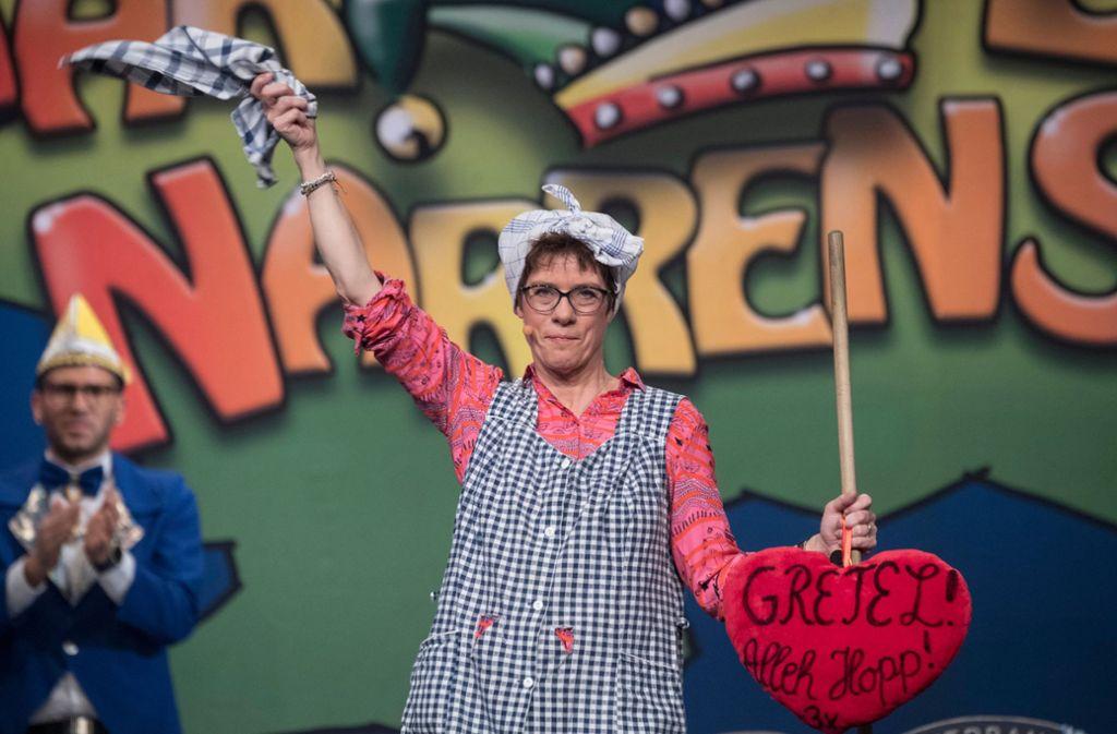 """Annegret Kramp-Karrenbauer tritt in diesem Jahr nicht als """"Putzfrau"""" auf. Foto: dpa/Boris Roessler"""