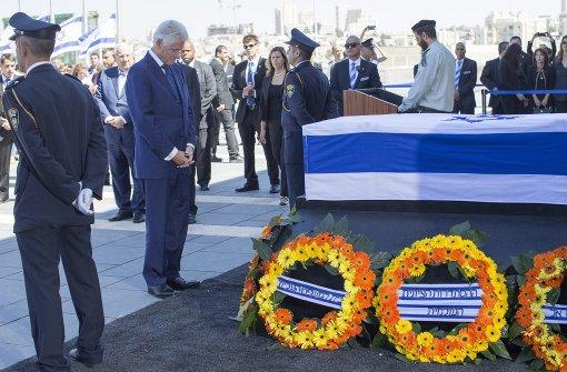 Auch Clinton erweist Peres die letzte Ehre