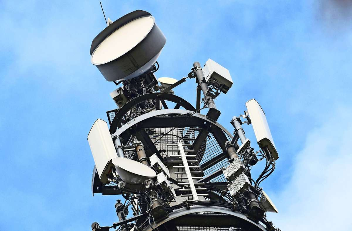 Inn vielen Orten tobt die Kontroverse um den  5G-Standard. Foto: dpa-tmn/Soeren Stache