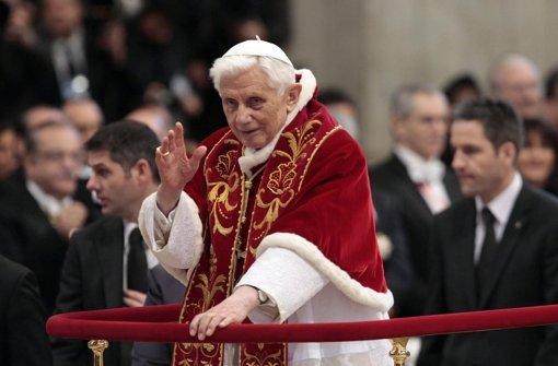 Der Papst hat zuletzt ein fahrbares Podest benötigt. Foto: ANSA