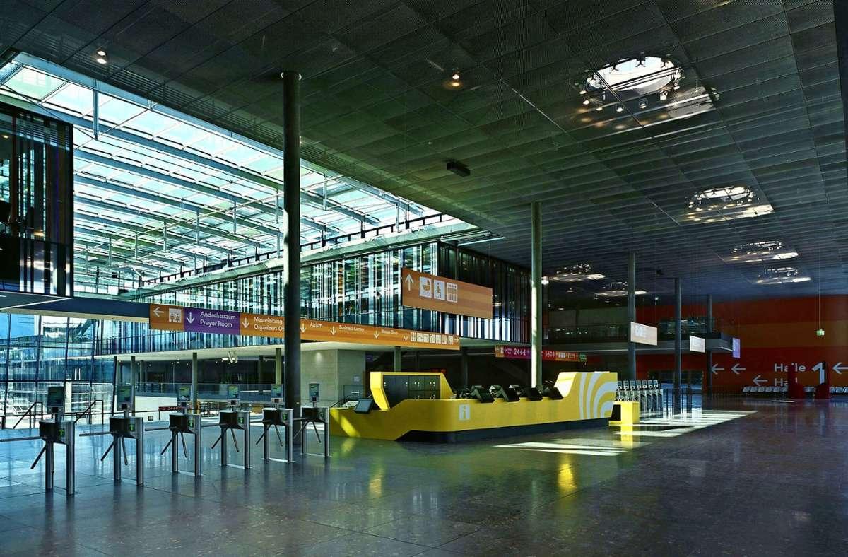 Auf dem Gelände der Messe Stuttgart herrscht Totenstille. Foto: Messe Stuttgart/Roland Halbe