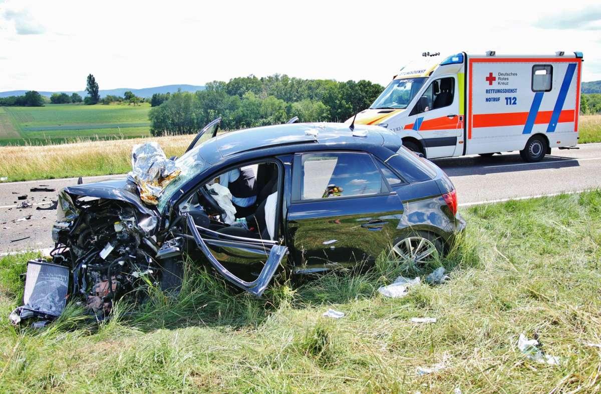 Zwei Menschen wurden bei dem Unfall am Sonntagnachmittag schwer verletzt. Foto: 7aktuell.de/Kevin Lermer