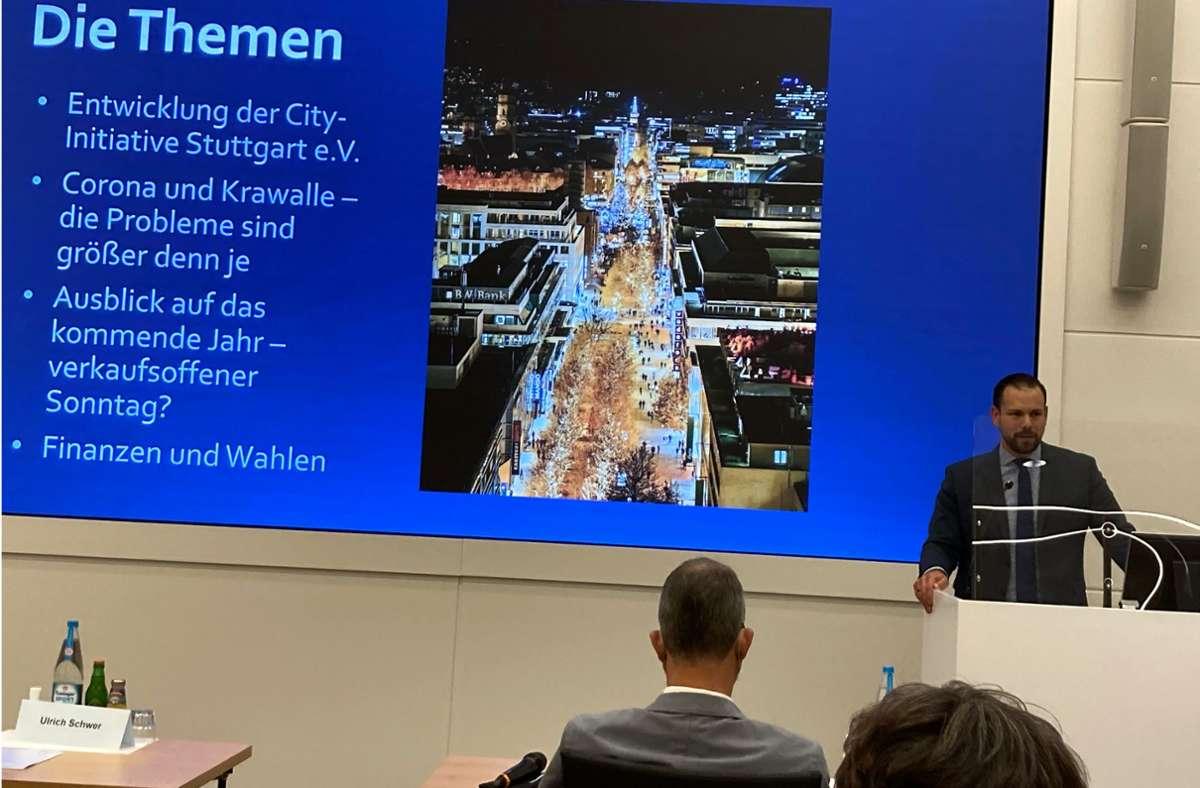 Citymanager Sven Hahn bei der Mitgliederversammlung der CIS mit seinem Jahresbericht. Foto: Martin Haar