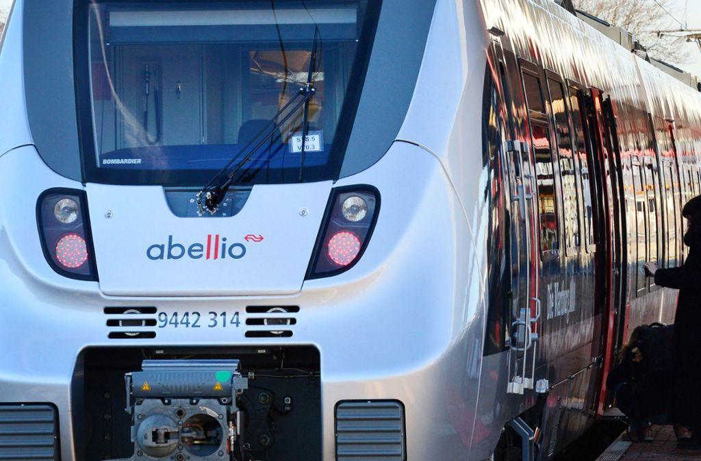 Ein Zug des Privatunternehmens Abellio ist in Stuttgart entgleist – die Ermittlungen laufen. Foto: dpa/Martin Schutt