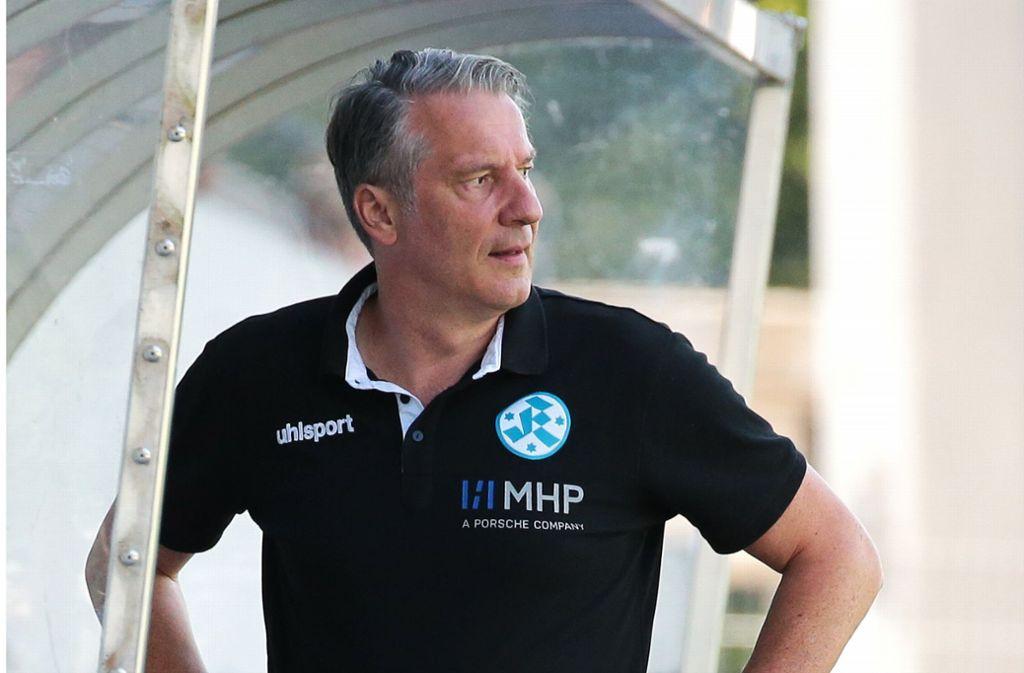 Blickt über den Tellerrand hinaus: Lutz Siebrecht, der Sportliche Leiter der Stuttgarter Kickers. Foto: Baumann