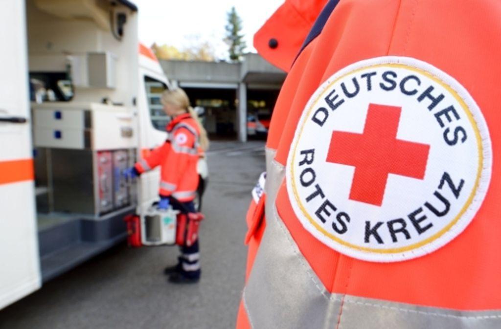 Eine Frau aus Stuttgart-Vaihingen ruft den Notarzt, weil ihr Mann bewusstlos im Bett liegt. Als die Rettungskräfte eintreffen, ist auch die 63-Jährige nicht mehr ansprechbar. Die Polizei geht von einer Kohlenmonoxid-Vergiftung aus.  Foto: dpa/Symbolbild