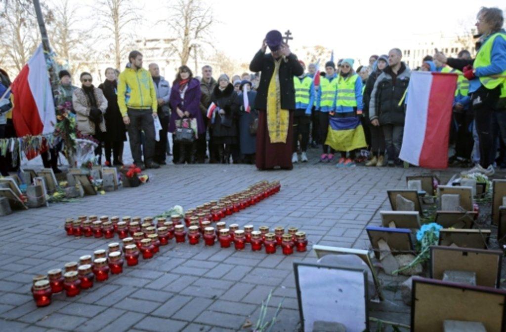Am Jahrestag der prowestlichen Maidan-Proteste hat die Ukraine der Toten gedacht. Foto: dpa