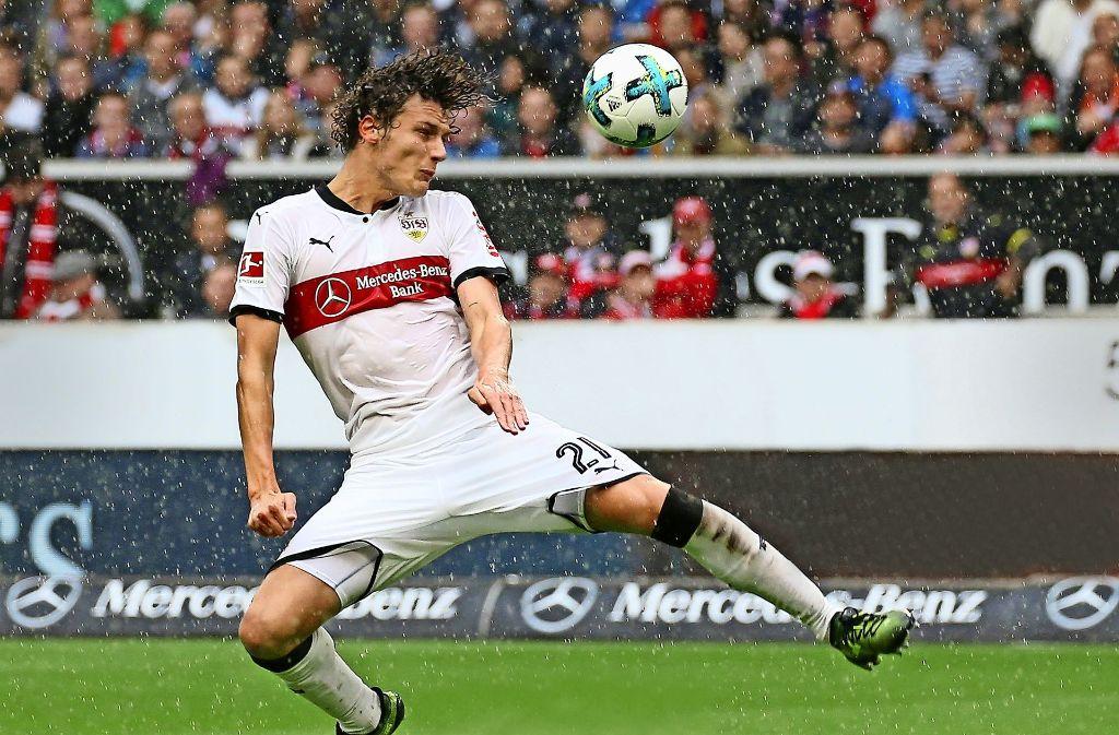 Dauerbrenner in der VfB-Abwehr: Benjamin Pavard absolvierte bislang sämtliche Pflichtspiele über die volle Distanz. Foto: Baumann