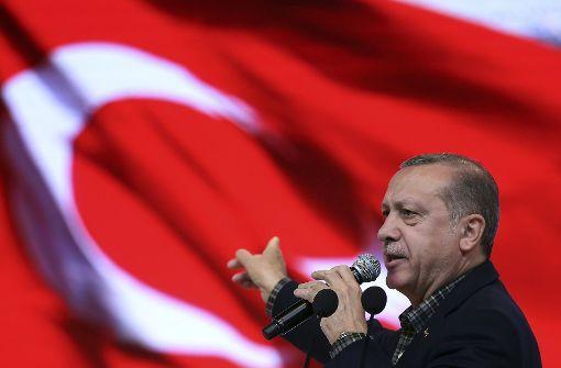Laut Erdogan unterstützt Merkel Terroristen