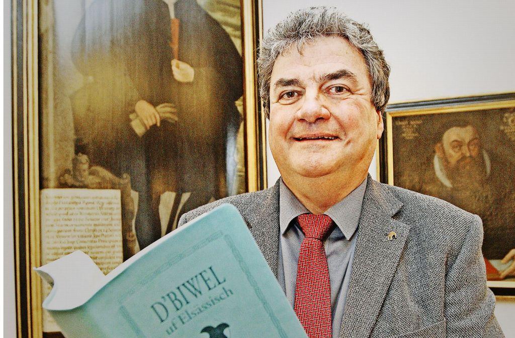 Daniel Steiner präsentiert sein Opus Magnum. Foto: LAlsace