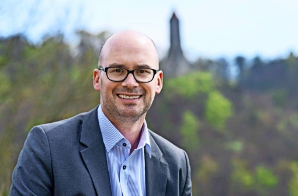 Frank Dehmer will den Geislinger Oberbürgermeister Wolfgang Amann bei der Wahl am 29. Juni aus dem Amtssessel hieven. Foto: Stefano Scire