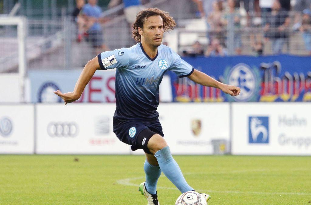 Sebastian Mannström traf mit den Stuttgarter Kickers auf Astoria Walldorf. Foto: Pressefoto Baumann