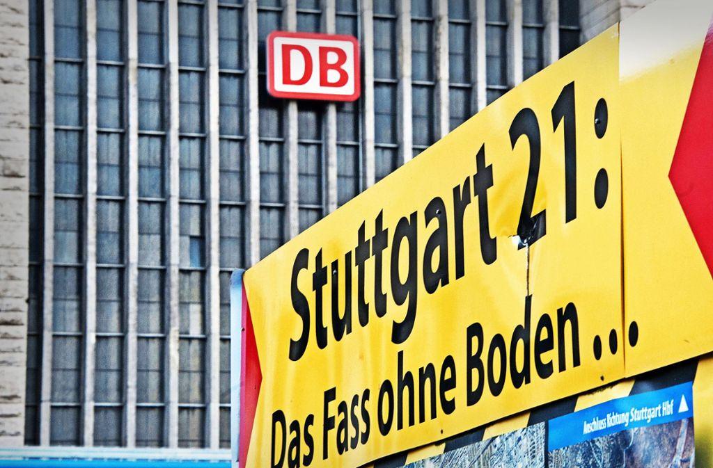 Das Land sowie die Stadt und Region Stuttgart und die Flughafengesellschaft wehren sich gegen die von der Bahn verlangte unendliche Mitzahlung an Stuttgart 21. Foto: dpa