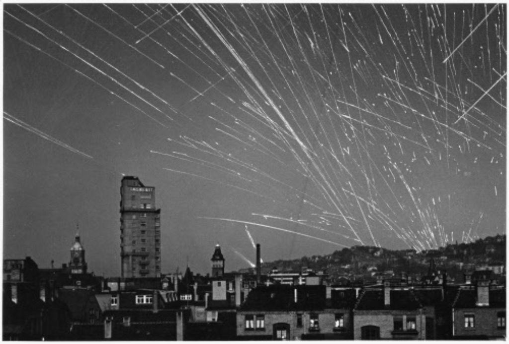 53 Mal war Stuttgart Ziel von Luftangriffen. Allein 1944 wurde Stuttgart 25 mal von bis zu 600 Flugzeugen bombardiert.  Foto: Stadtarchiv Stuttgart