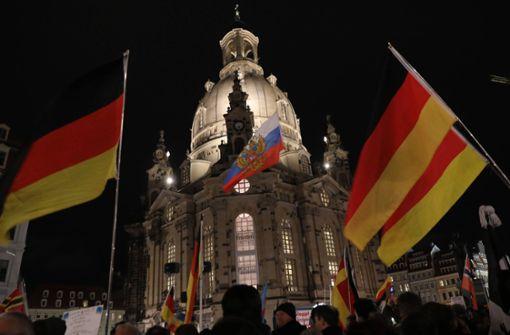 Stadt erteilt Pegida Sondergenehmigung für Demo - Harsche Kritik