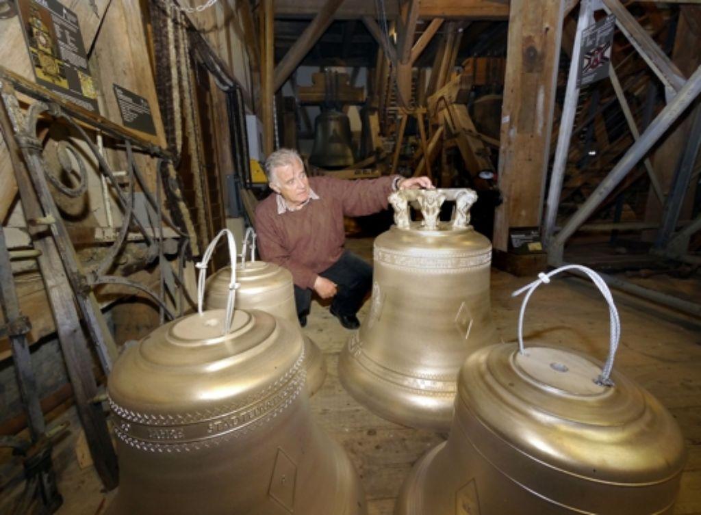 Gernot Heer freut sich, dass die 50 Glocken endlich da sind. Foto: factum/Weise