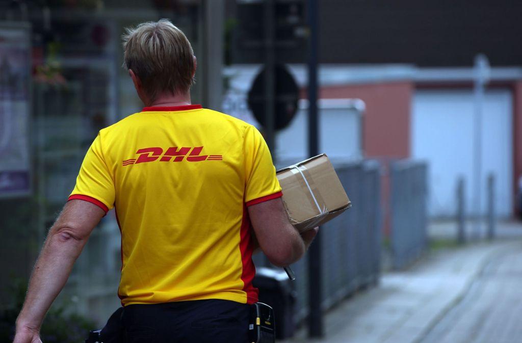 Auf Wunsch versendet DHL eine zusätzliche Erinnerung, wenn das Paket in 15 Minuten erwartet wird. Foto: picture alliance/dpa/Oliver Berg
