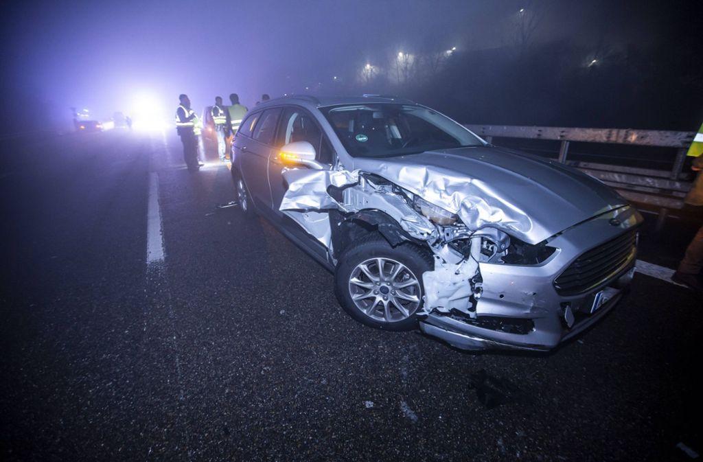 In den tödlichen Unfall  in der Silvesternacht waren sechs Autos involviert. Foto: 7aktuell.de/Simon Adomat