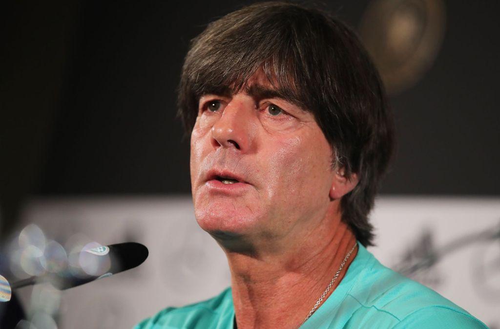 Bundestrainer Joachim Löw findet lobende Worte für Benjamin Pavard vom VfB Stuttgart. Foto: Bongarts