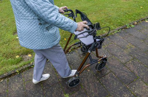 101-Jährige schleicht sich aus Pflegeheim, um Tochter zu sehen