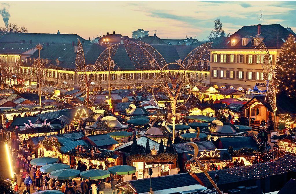 weihnachtsmarkt in ludwigsburg budenstadt hinter. Black Bedroom Furniture Sets. Home Design Ideas