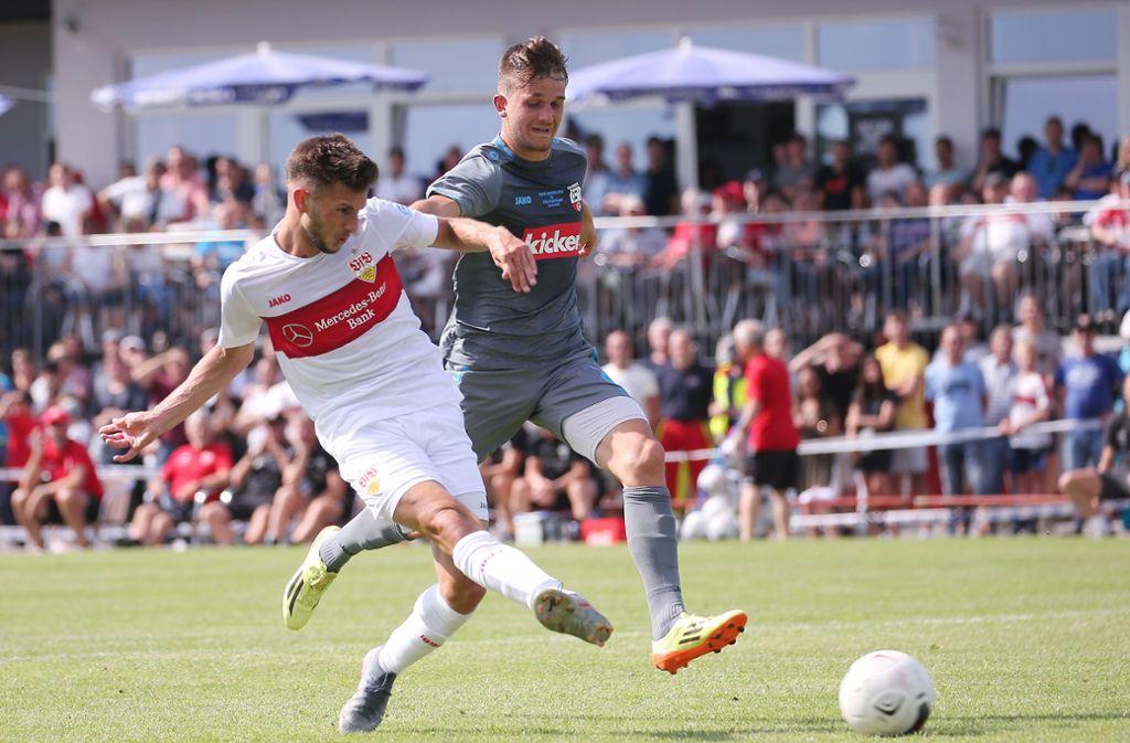 Der VfB Stuttgart hat sein erstes Testspiel in der Vorbereitung absolviert. Leon Dajaku trifft zum zwischenzeitlichen 2:0. Foto: Pressefoto Baumann