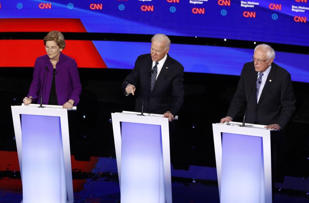 Vor allem Bernie Sanders und Elizabeth Warren haben sich einen Schlagabtausch über Siegeschancen einer Frau geliefert. Foto: dpa/Patrick Semansky