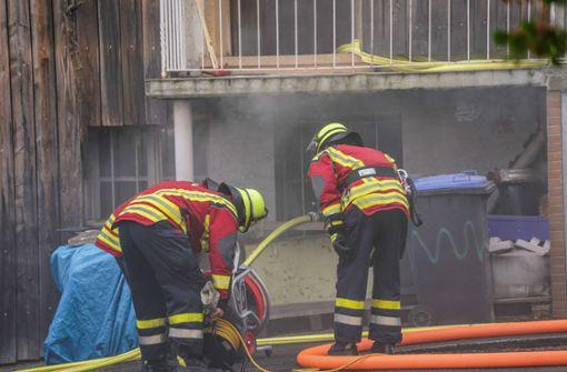 Feuerwehr löscht Flammen im Heizungsraum