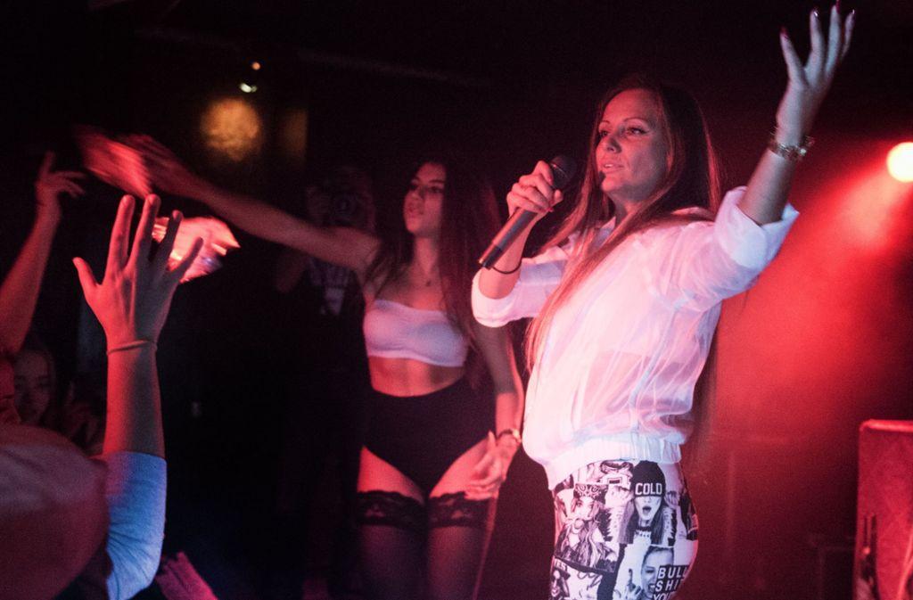 Rapperin Schwesta Ewa bei einem Auftritt im Jahr 2015. Foto: dpa